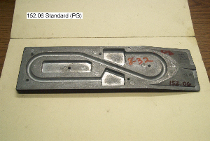 standard partially groved plate, raw